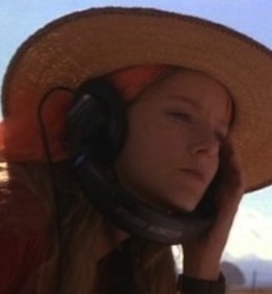 jodie-foster-contact-570x238