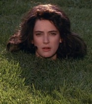 Veronica-Sawyer-Croquet-Heathers-Winona-Ryder