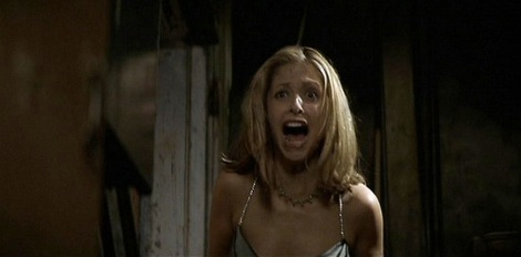 Sarah-Michelle-Gellar-in-I-Know-What-You-Did-Last-Summer-1997-horror-actresses-34009129-1000-460