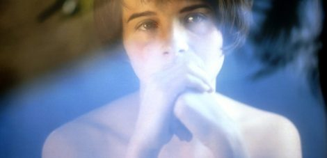 three_colours-blue-juliet_binoche-iznogoodgood-e1466813628628