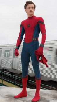 spiderman-homecoming-tom-holland-4k-2017-movie-ad-1080x1920