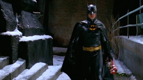 batman-kills-in-batman-returns-1003493-1280x0