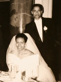barack-obama-michelle-obama-love-story-romance-photos-03