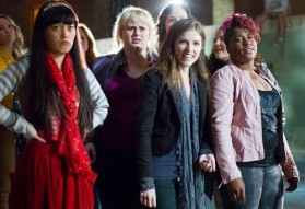 pitch-perfect-2012-stills-anna-kendrick-31944479-500-343