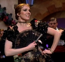 victor-victoria-1982-movie-julie-andrews-stage-performance